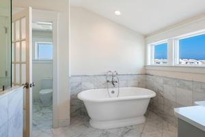 Clean, fresh bathroom in Baltimore home.